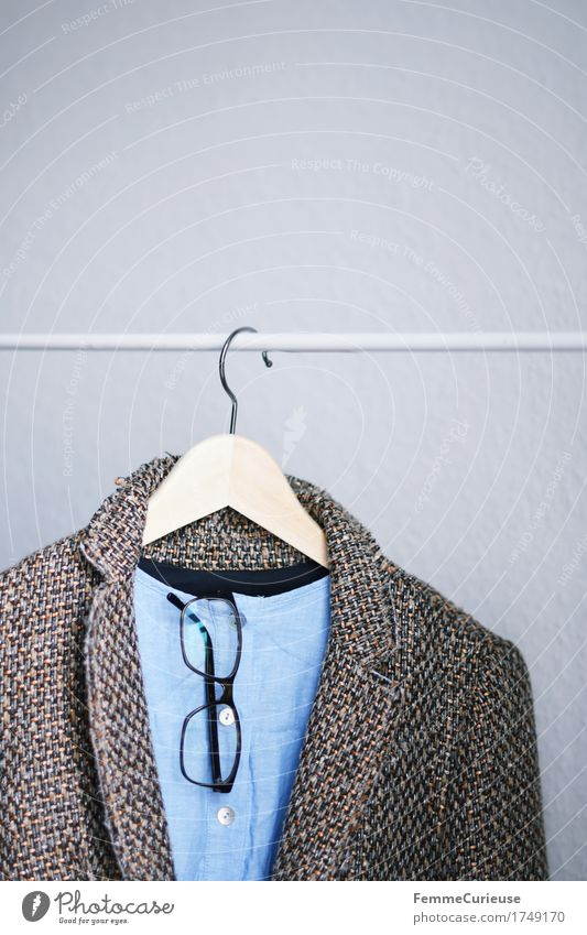 Outfit01. Mode Bekleidung Arbeitsbekleidung Brille anstrengen Kraft Kreativität seriös Business Jacke Brillengestell Bouclé Hemdbluse Bluse hell-blau