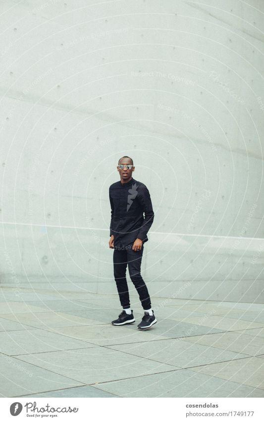 069 Mensch Jugendliche Mann Stadt Junger Mann 18-30 Jahre Erwachsene Sport Lifestyle Stil Mode springen maskulin Freizeit & Hobby authentisch gefährlich