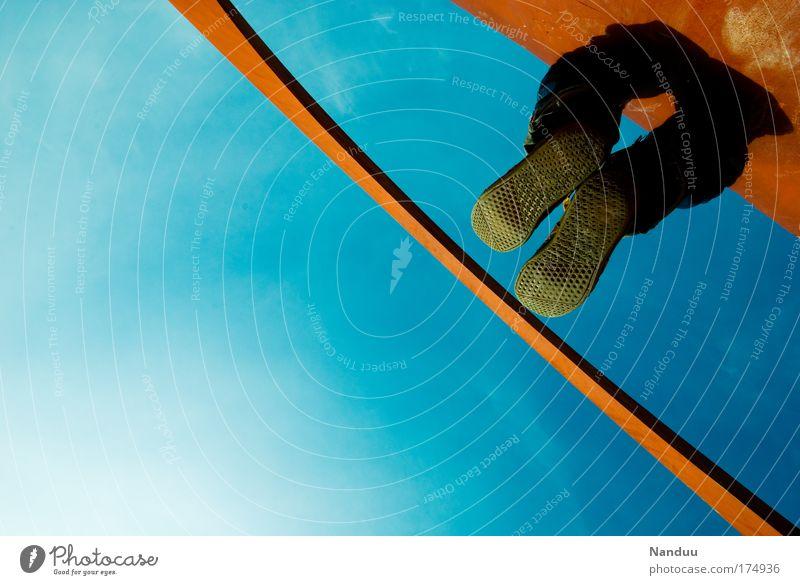 [MUC-09] Abhängen Mensch Erholung Stil Fuß lustig maskulin Lifestyle Perspektive hängen Jugendkultur neonblau