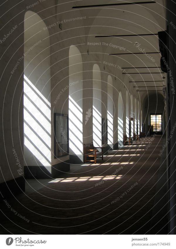 Lichteinfall Einsamkeit Fenster ästhetisch Nostalgie Kloster
