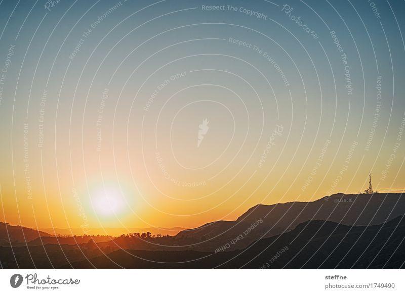 Hollywood Reporter Bekanntheit Los Angeles USA Kalifornien Sonnenuntergang Sommer Schönes Wetter Hügel Farbfoto Außenaufnahme Menschenleer Textfreiraum oben