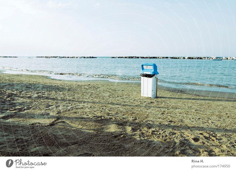 Ordnung muss sein Natur blau Wasser weiß Strand Einsamkeit Umwelt Landschaft Sand Küste Hinweisschild Sauberkeit Kunststoff Dienstleistungsgewerbe Umweltschutz