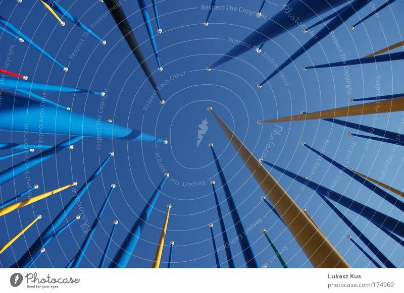 Himmel Farbfoto Außenaufnahme Menschenleer Tag Froschperspektive Unendlichkeit hoch einzigartig blau ästhetisch Farbe innovativ Perspektive grenzenlos frei
