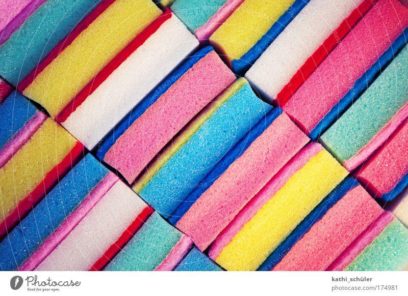 frühjahrsputz Farbe rosa mehrfarbig Sauberkeit rein Reinigen Streifen Kunststoff diagonal Material fleißig Reinheit Schwamm Reinlichkeit Reinigungsmittel