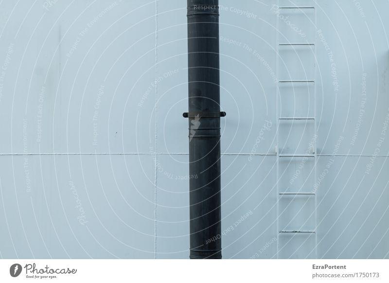 Schwarz Weiss Bild Mauer Wand Schornstein Metall Stahl Linie schwarz weiß aufwärts abwärts richtungweisend Leiter Eisenrohr festhalten Halt
