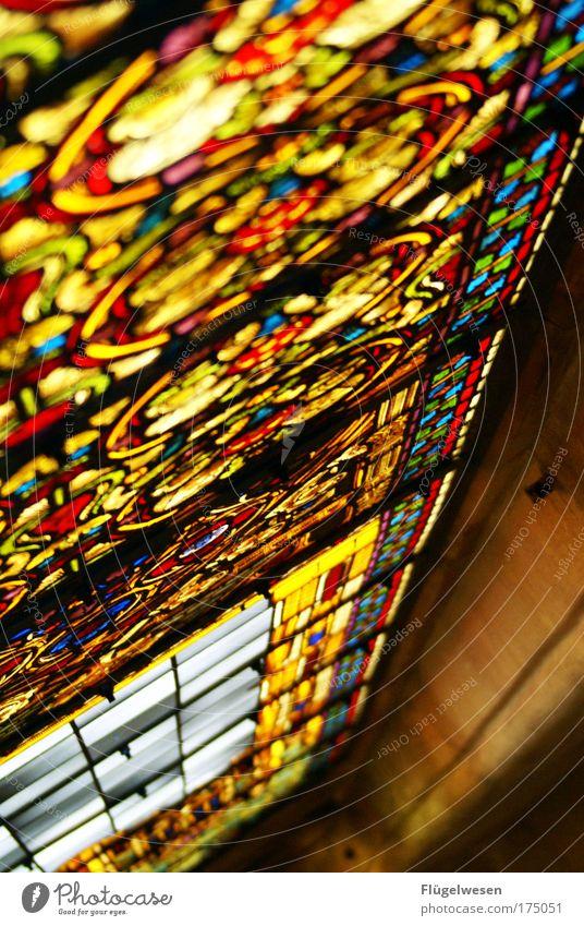 """""""ich bin ok, Seitdem ich neuerdings zur Bibelstunde geh"""" Glas Kirche leuchten Bildausschnitt Anschnitt Fenster Mosaik Farbenspiel Kunsthandwerk durchleuchtet Kirchenfenster ornamental leuchtende Farben"""