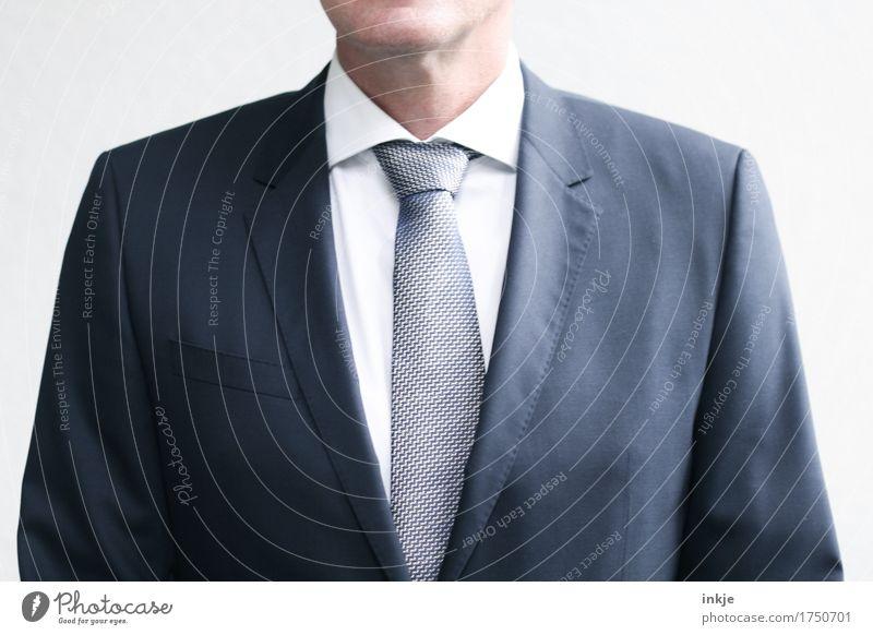 Der Chef. Mensch Mann blau weiß Erwachsene Leben Stil Business Mode Arbeit & Erwerbstätigkeit elegant Körper stehen 45-60 Jahre Beruf Jacke