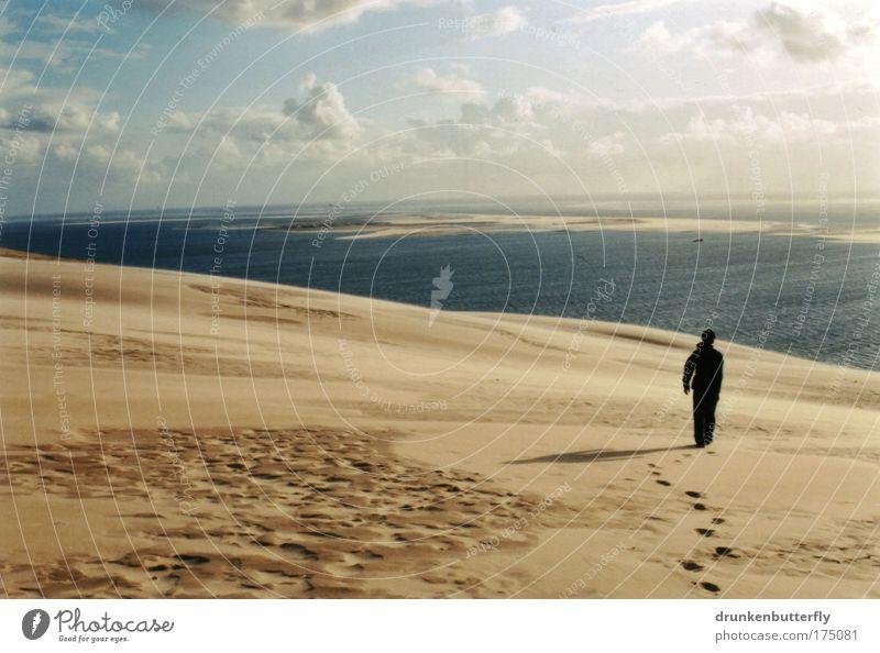 Dune de Pyla Mensch Mann Natur Wasser Himmel weiß Sonne Meer blau Sommer Strand Ferien & Urlaub & Reisen Ferne Erholung Bewegung Freiheit