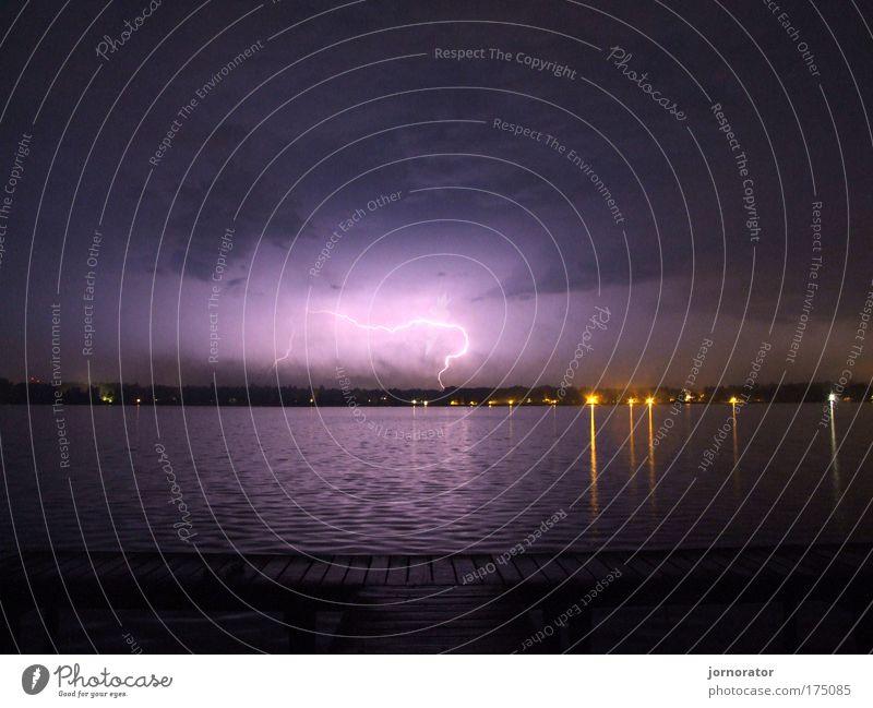 Am Wand(B)litz See Außenaufnahme Menschenleer Textfreiraum oben Textfreiraum unten Nacht Langzeitbelichtung Natur Urelemente Wasser Gewitterwolken Sommer Blitze