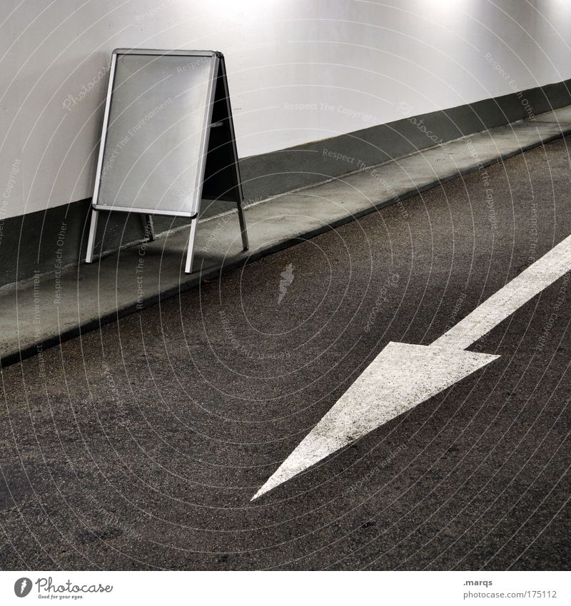 Your Ad here Design Dienstleistungsgewerbe Werbebranche Stadt Verkehr Verkehrswege Personenverkehr Straßenverkehr Autofahren Wege & Pfade Tunnel Verkehrszeichen