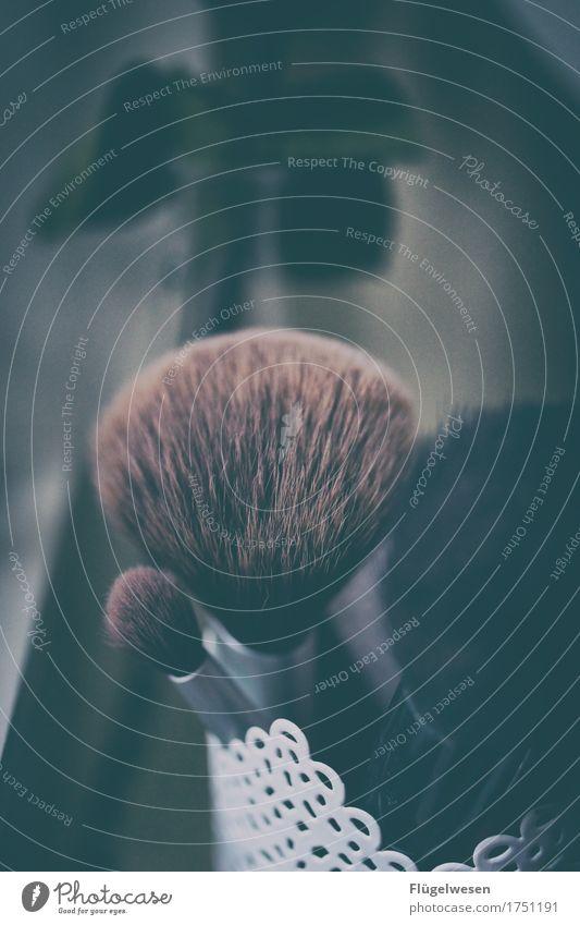 Frauenkram Lifestyle elegant Stil Design schön Körperpflege Haare & Frisuren Haut Gesicht Maniküre Pediküre Kosmetik Parfum Creme Schminke Lippenstift Nagellack