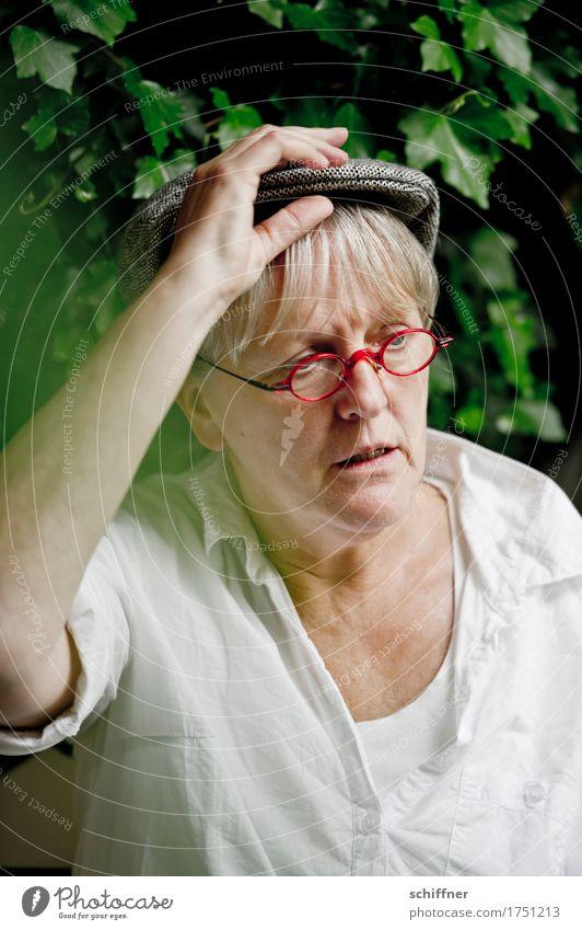 AST 9 | Bauer Lindemanns Zivi pennt Mensch feminin Frau Erwachsene Weiblicher Senior Kopf Arme 1 45-60 Jahre Denken Traurigkeit Frustration ratlos Brille Mütze