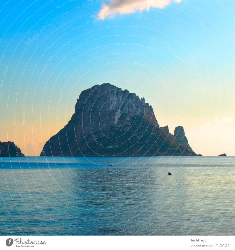 Zauberfelsen Natur Wasser schön Meer blau Sommer Ferien & Urlaub & Reisen ruhig gelb Ferne Gefühle Freiheit Stein Stimmung elegant frei
