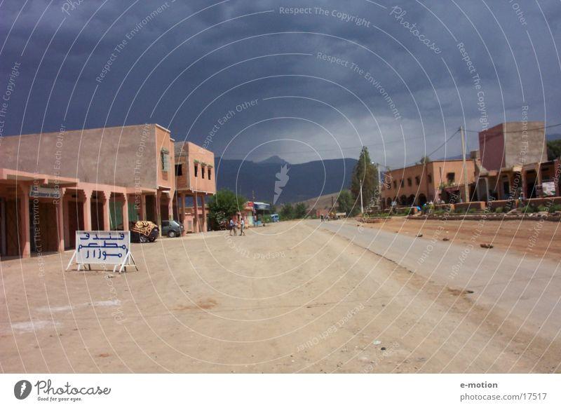 wohin führt es? Marokko Menschenleer Afrika Ferien & Urlaub & Reisen Zufriedenheit Sand Skipiste Landschaft world africa Amerika Wüste Bild Berge u. Gebirge