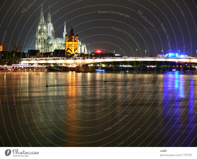 Cologne Cityscape Farbfoto mehrfarbig Außenaufnahme Abend Dämmerung Nacht Licht Kontrast Reflexion & Spiegelung Gegenlicht Langzeitbelichtung