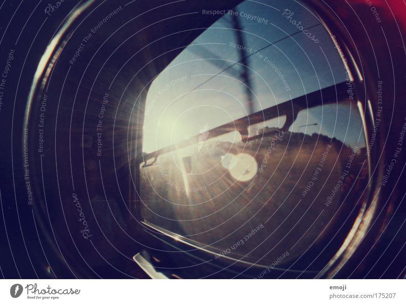 ab in den Urlaub! blau schwarz Eisenbahn fahren Lomografie Verkehrsmittel Blendenfleck Bahnfahren Öffentlicher Personennahverkehr
