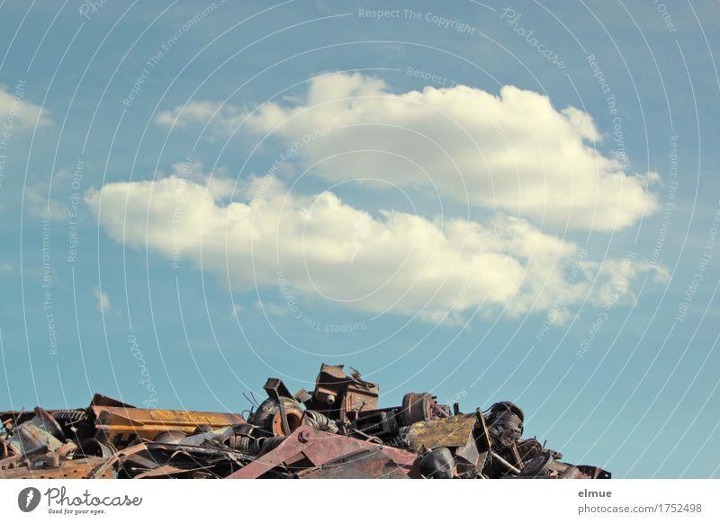 Alles Müll oder was? (2) Himmel Wolken Umwelt Kunst Business Metall liegen Kreativität Zukunft Schönes Wetter kaputt Hoffnung Umweltschutz Optimismus
