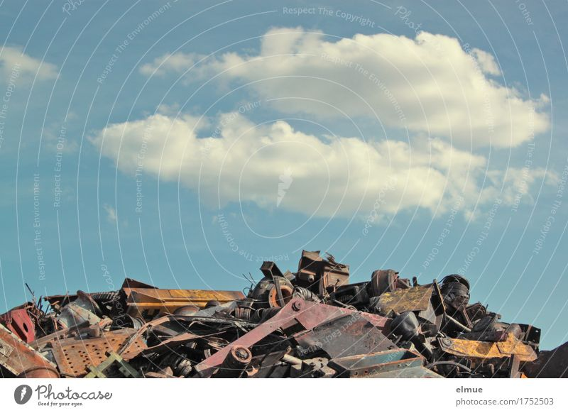 Alles Müll oder was? (1) Schrott Schrottplatz Müllberg Recycling Elektronikschrott Sperrmüll Industrieabfall Halde Sekundärrohstoff entsorgen Himmel Wolken