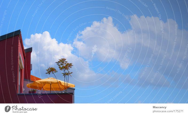 Urlaub mal zu Hause Himmel Sommer ruhig Wolken Erholung Gebäude Luft Feste & Feiern Architektur rosa Glas Beton modern Schönes Wetter exotisch