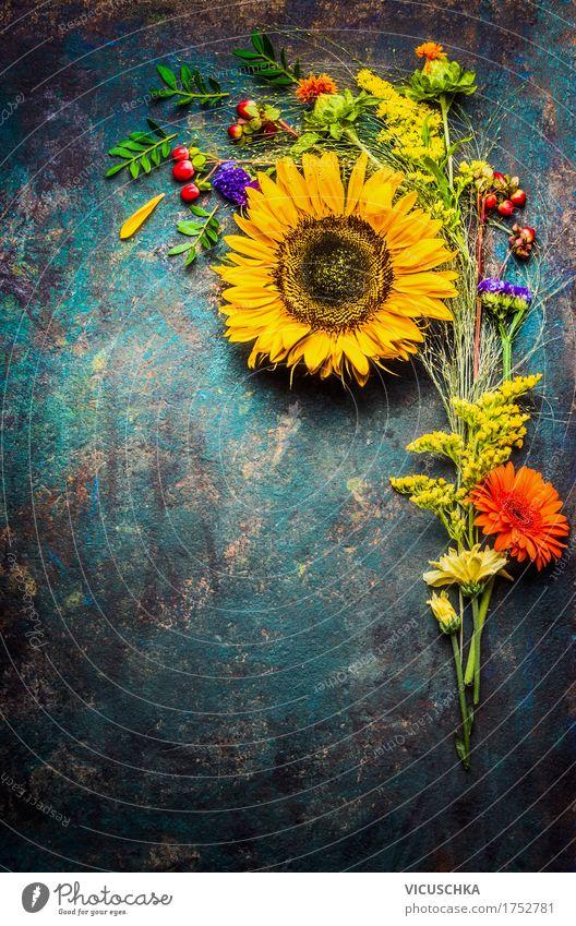 Herbstblumen Strauß mit Sonnenblumen Stil Design Sommer Innenarchitektur Dekoration & Verzierung Feste & Feiern Natur Pflanze Blume Gras Sträucher Blatt