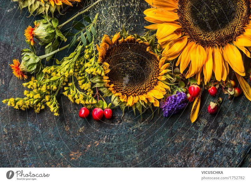 Sonnenblumen im Herbst Blumenstrauß Stil Design Leben Sommer Dekoration & Verzierung Natur Pflanze Blatt Blüte gelb Composing Blumenhändler Saison