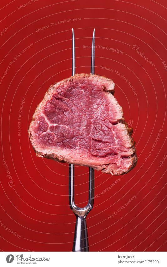 red on red Fleisch Abendessen Gabel Medien Grill dunkel frisch groß retro saftig rot Steak Fleischgabel Rindfleisch Rindersteak Kochen Hintergrundbild Essen roh
