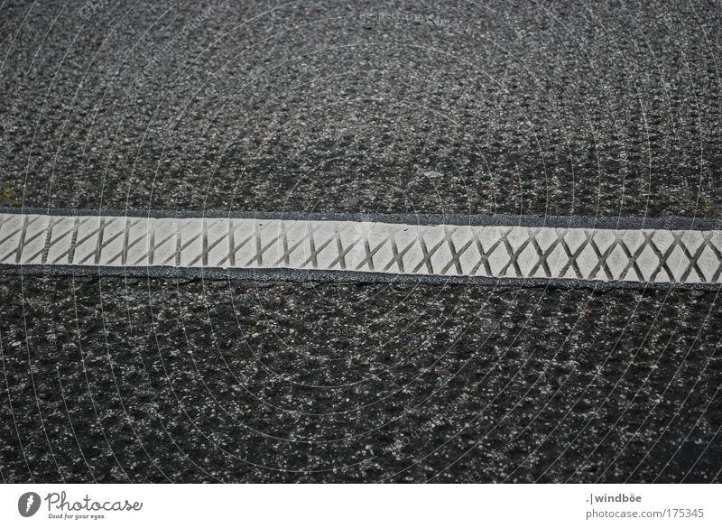 Autobahnmuster Farbfoto Schwarzweißfoto Außenaufnahme Nahaufnahme Muster Strukturen & Formen Menschenleer Tag Vogelperspektive Blick nach unten Verkehr