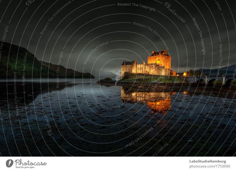 Eilean Donan Castle by Night Himmel Natur Landschaft Wolken Architektur Gebäude träumen Nebel Erde Europa Bauwerk Sehenswürdigkeit Wahrzeichen Burg oder Schloss