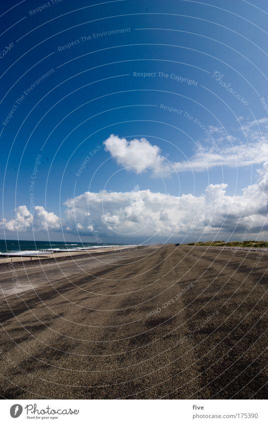westkapelle_III_zeeland Farbfoto Außenaufnahme Tag Kontrast Sonnenlicht Weitwinkel Natur Erde Wasser Himmel Wolken Horizont Sommer Wetter Schönes Wetter Wellen