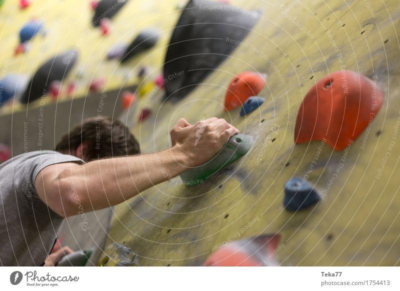 Bouldern II Freizeit & Hobby Sport Fitness Sport-Training Klettern Bergsteigen Leichtathletik Mensch Hand Mauer Wand Abenteuer Beginn Kontrolle Konzentration