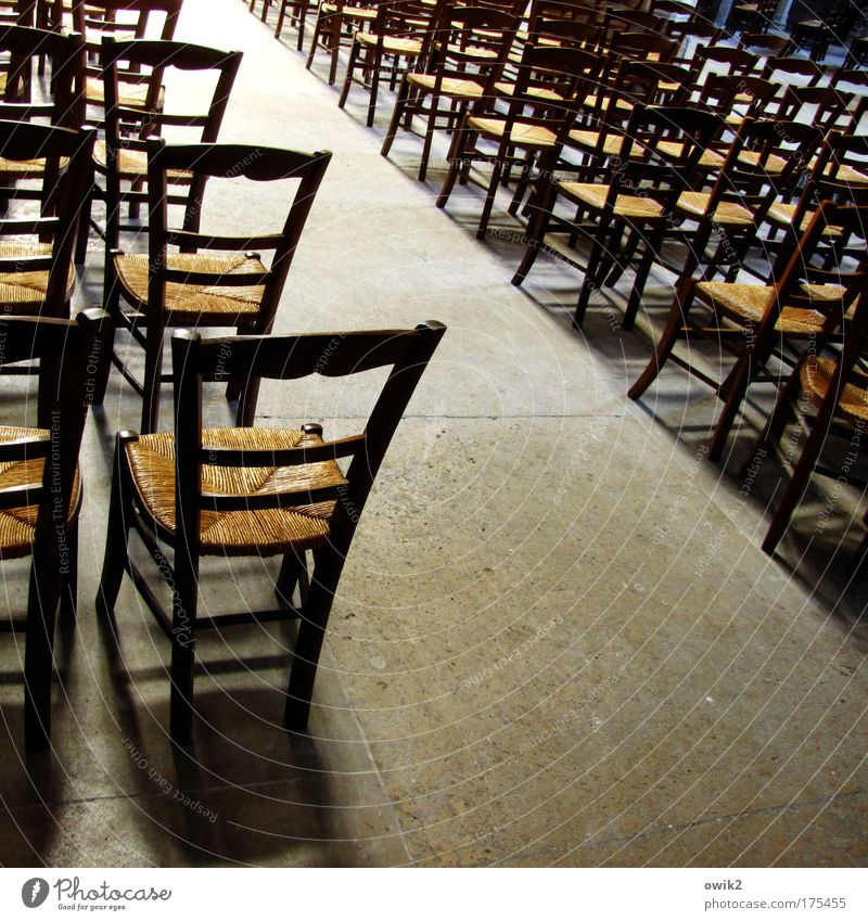 Freie Platzwahl Innenarchitektur Stuhl Bestuhlung Sitzgelegenheit Möbel Kirche Dom Gebäude Raum Gläubige Gotteshäuser Gesellschaft (Soziologie) Stuhlreihe