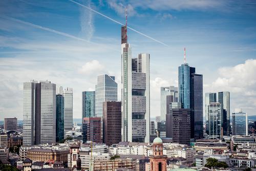 Frankfurt Skyline 1 Himmel Stadt Sommer Wolken Architektur modern Hochhaus ästhetisch hoch Wahrzeichen Bankgebäude Stadtzentrum Frankfurt am Main Bankenviertel