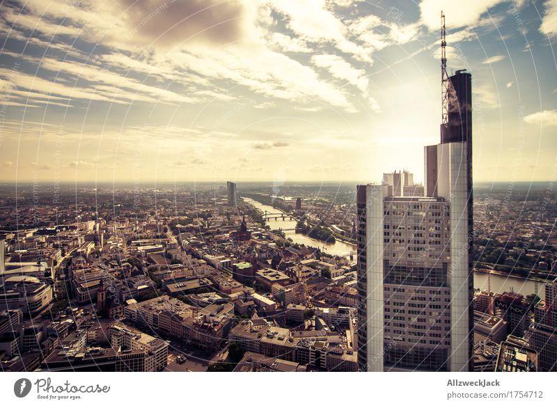Frankfurt 1 Himmel Wolken Sommer Frankfurt am Main Hessen Stadt Stadtzentrum Altstadt Hochhaus Bankgebäude dreckig hoch Fluss Grossstadtromantik Farbfoto