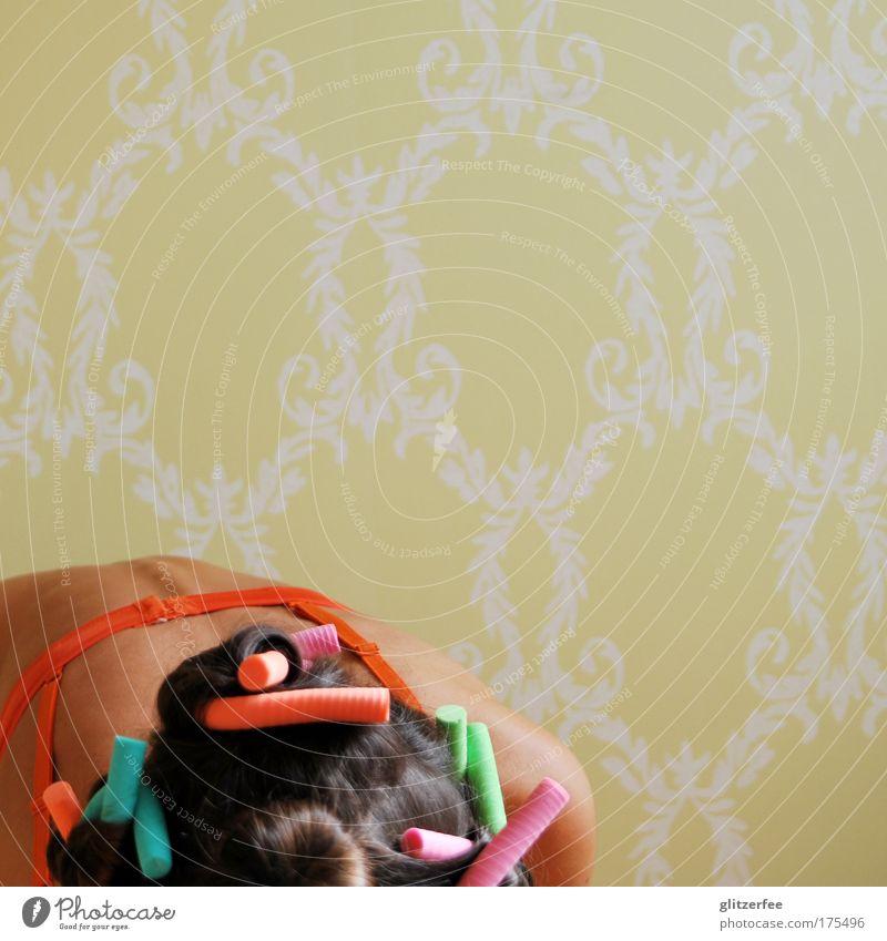pin-up-girl in despair Mensch schön Erwachsene feminin Kopf Haare & Frisuren Stil Rücken elegant Haut ästhetisch Lifestyle Brust Reichtum Locken brünett