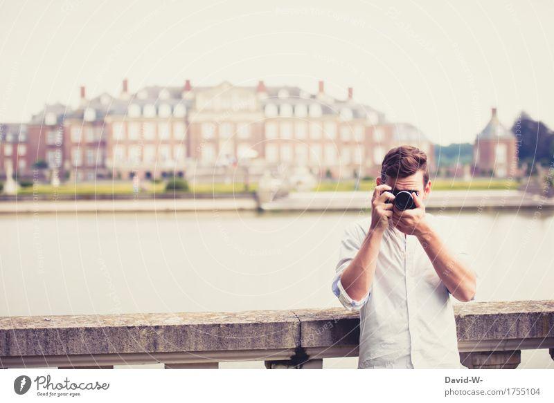spaß am fotografieren Mensch Ferien & Urlaub & Reisen Jugendliche Mann Junger Mann Freude Ferne Erwachsene Architektur Leben Lifestyle Tourismus maskulin