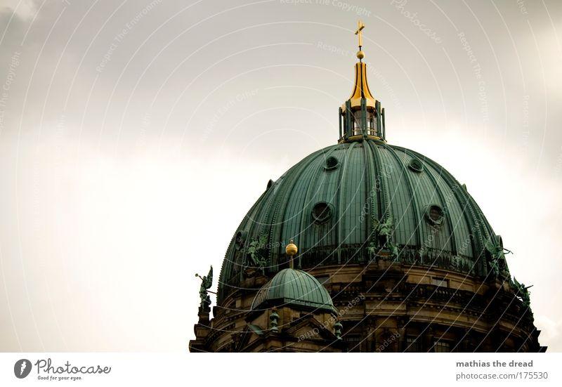 GOTTES HAUS Mensch Himmel alt grün Wolken Religion & Glaube Deutschland Gold Dekoration & Verzierung Kreuz Skyline historisch Berlin Wahrzeichen Verzweiflung