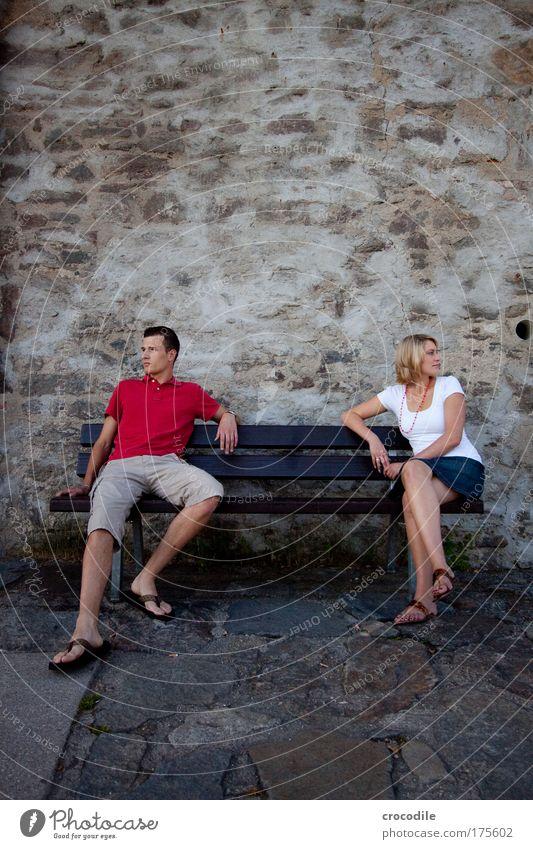 II Mensch Jugendliche schön Erwachsene Einsamkeit feminin Gefühle Haare & Frisuren Stil Stimmung Mode Paar Frau blond elegant sitzen
