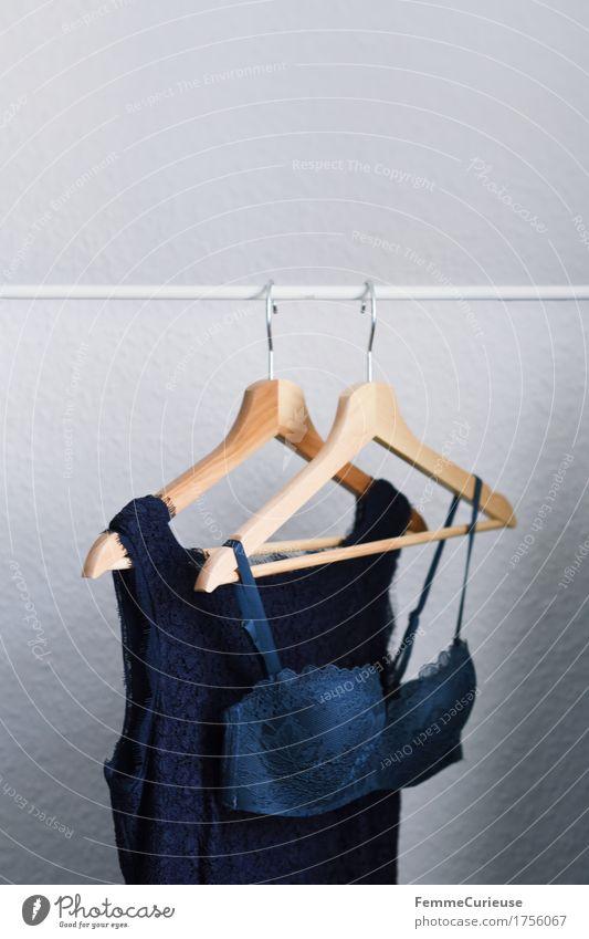 Kombination in blau. schön weiß Erotik Lifestyle feminin Stil Mode elegant Bekleidung einfach Kleid Tapete Spitze Verabredung Versuch