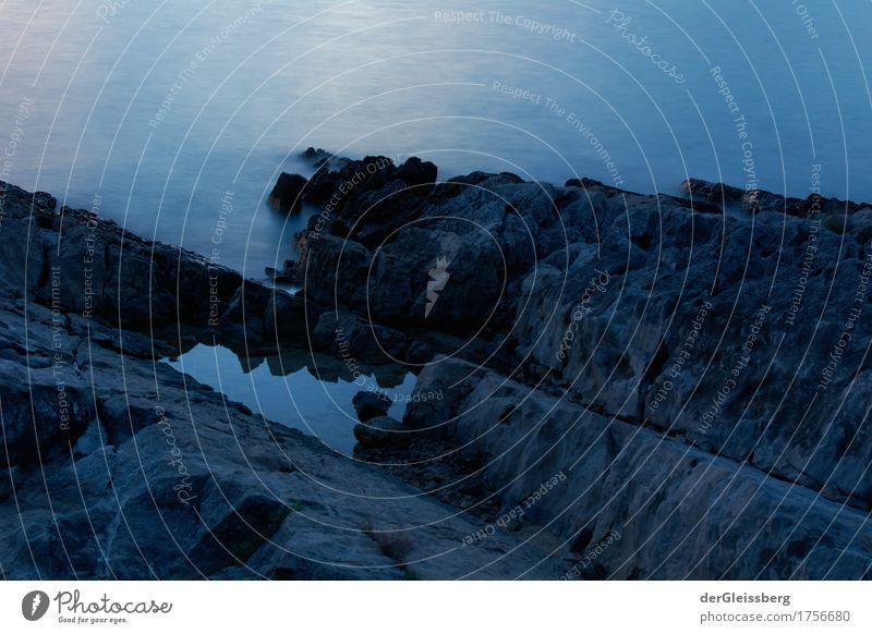 Naturplanschbecken am Meer Wasser Küste schön blau schwarz Einsamkeit Spiegelung Reflexion & Spiegelung weich hart steil eckig Montenegro Farbfoto Außenaufnahme