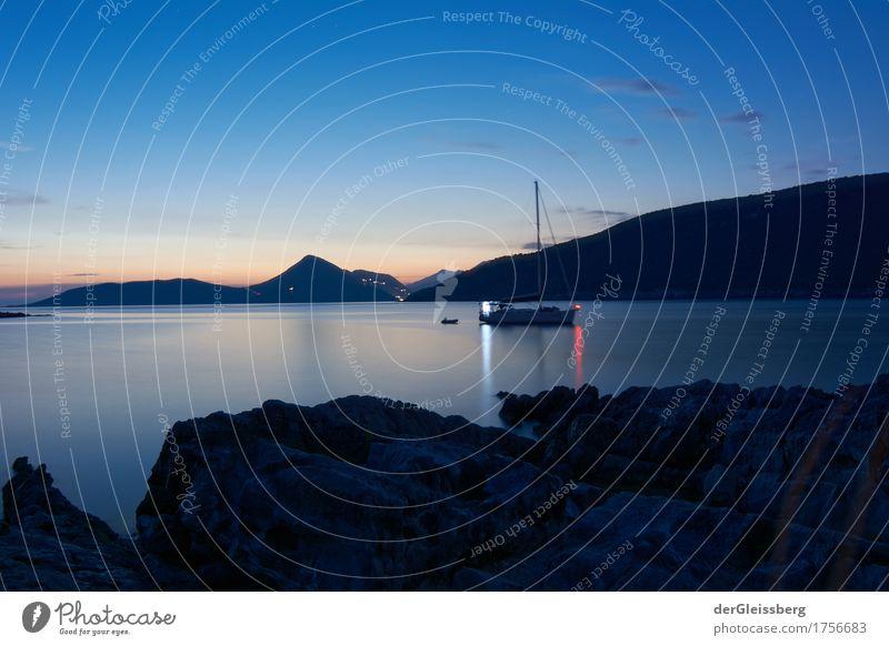 ankommen Natur Landschaft Wasser Himmel Sonnenaufgang Sonnenuntergang Sommer Schönes Wetter Küste Bucht Meer Mittelmeer warten Ferne frei groß blau orange