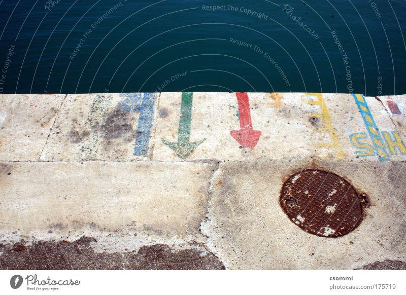 bitte hier anlegen Meer Linie Schilder & Markierungen Ordnung Beton Verkehr Design Tourismus planen Ziel Güterverkehr & Logistik Hafen Schifffahrt Fahrzeug Verschiedenheit Parkplatz