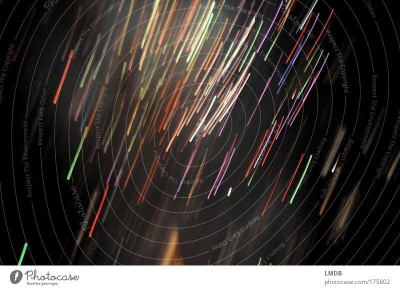 Lichtersturm weiß blau rot schwarz gelb Farbe Linie Streifen Feuerwerk Strahlung chaotisch durcheinander Bewegungsunschärfe