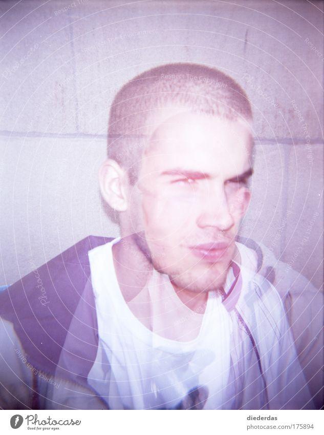 Verwirrt Mensch Jugendliche blau Gesicht grau Erwachsene maskulin nah brünett Bart rebellisch Misstrauen Porträt Mann Dreitagebart Junger Mann
