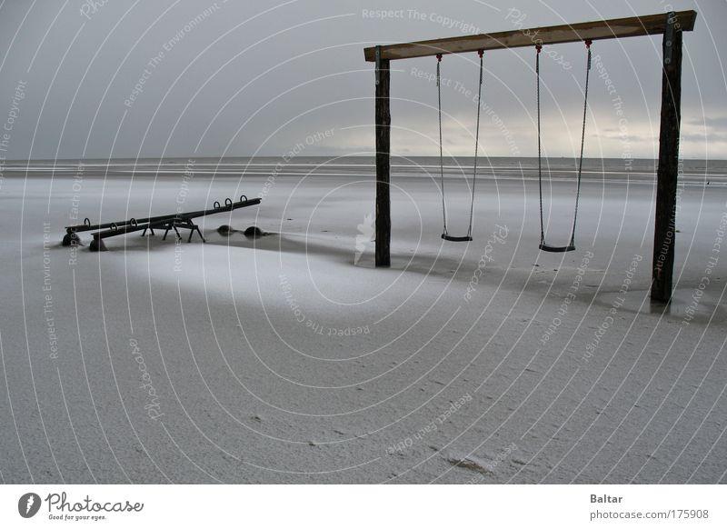 Wintermute Beach Himmel Strand ruhig schwarz Einsamkeit dunkel kalt Schnee Holz grau träumen Traurigkeit Stimmung Küste einfach geheimnisvoll