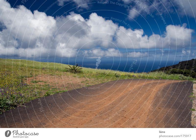 wir sind auf dem Weg... Himmel Meer blau Wolken Ferne Straße Berge u. Gebirge Freiheit Wege & Pfade Landschaft Luft Zufriedenheit frei Horizont Erde Ausflug