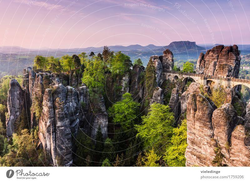 Bastei mit Basteibrücke Ferien & Urlaub & Reisen Tourismus Freiheit Berge u. Gebirge wandern Natur Landschaft Himmel Sonnenaufgang Sonnenuntergang Felsen