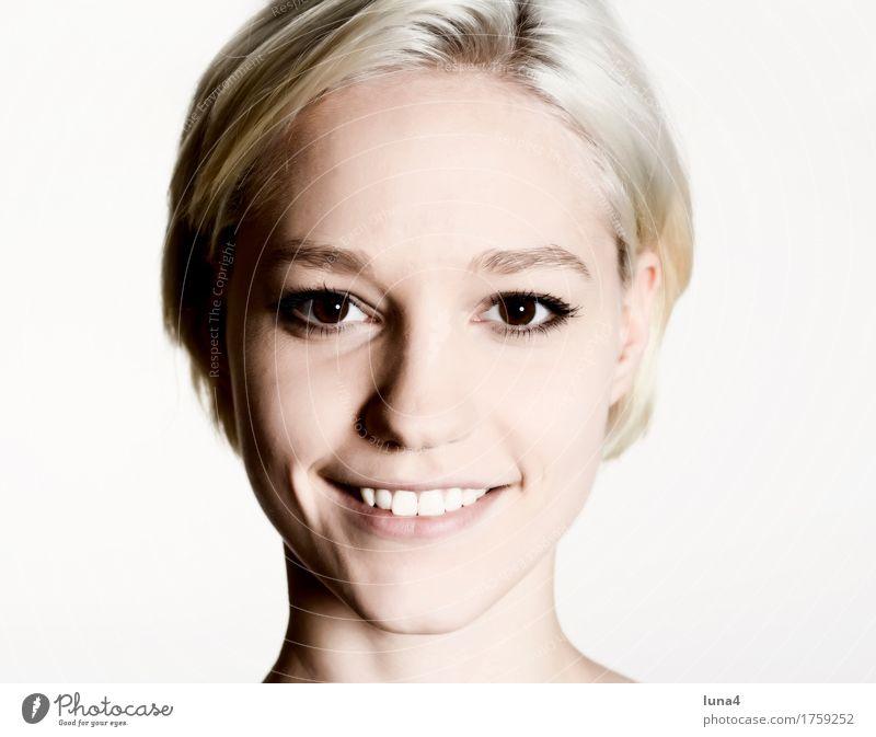 Porträt G Freude Glück schön Gesicht Mensch feminin Junge Frau Jugendliche Erwachsene 1 18-30 Jahre blond Lächeln lachen Fröhlichkeit Lebensfreude porträt