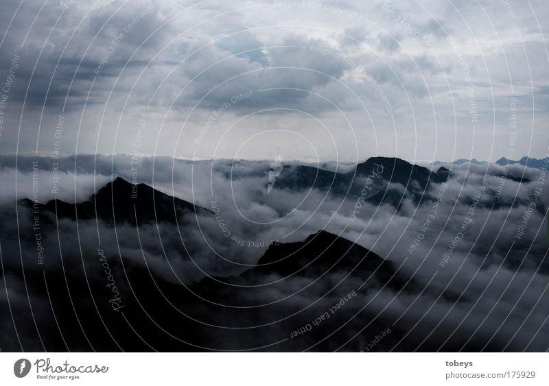 100: touching god Natur Ferien & Urlaub & Reisen Wolken Ferne Berge u. Gebirge Felsen Stimmung Klima Nebel Macht Alpen bedrohlich Gipfel Hügel Unendlichkeit