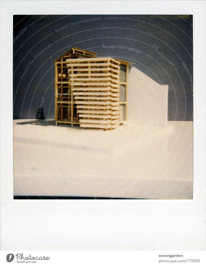 traumhaus in holzbauweise Farbfoto Gedeckte Farben Innenaufnahme Nahaufnahme Polaroid Menschenleer Textfreiraum oben Textfreiraum unten Hintergrund neutral