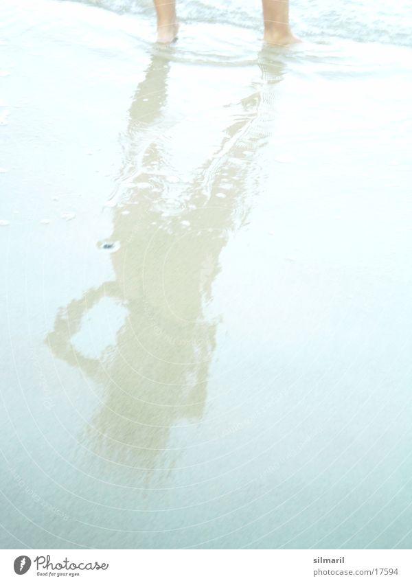 Silmaril macht Urlaub II Strand Meer Wellen Reflexion & Spiegelung Frau Ferien & Urlaub & Reisen Sand Wasser